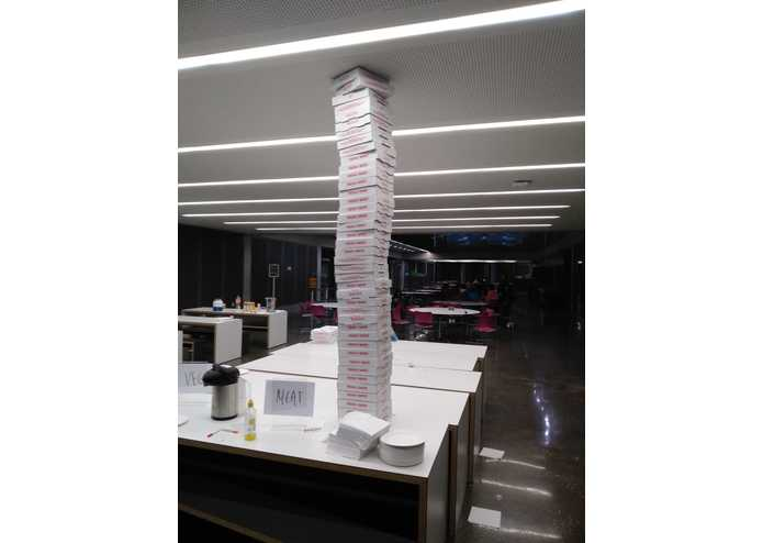 Pizza Box Tower – screenshot 1