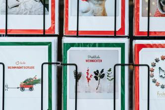 SMSending Holiday Cards